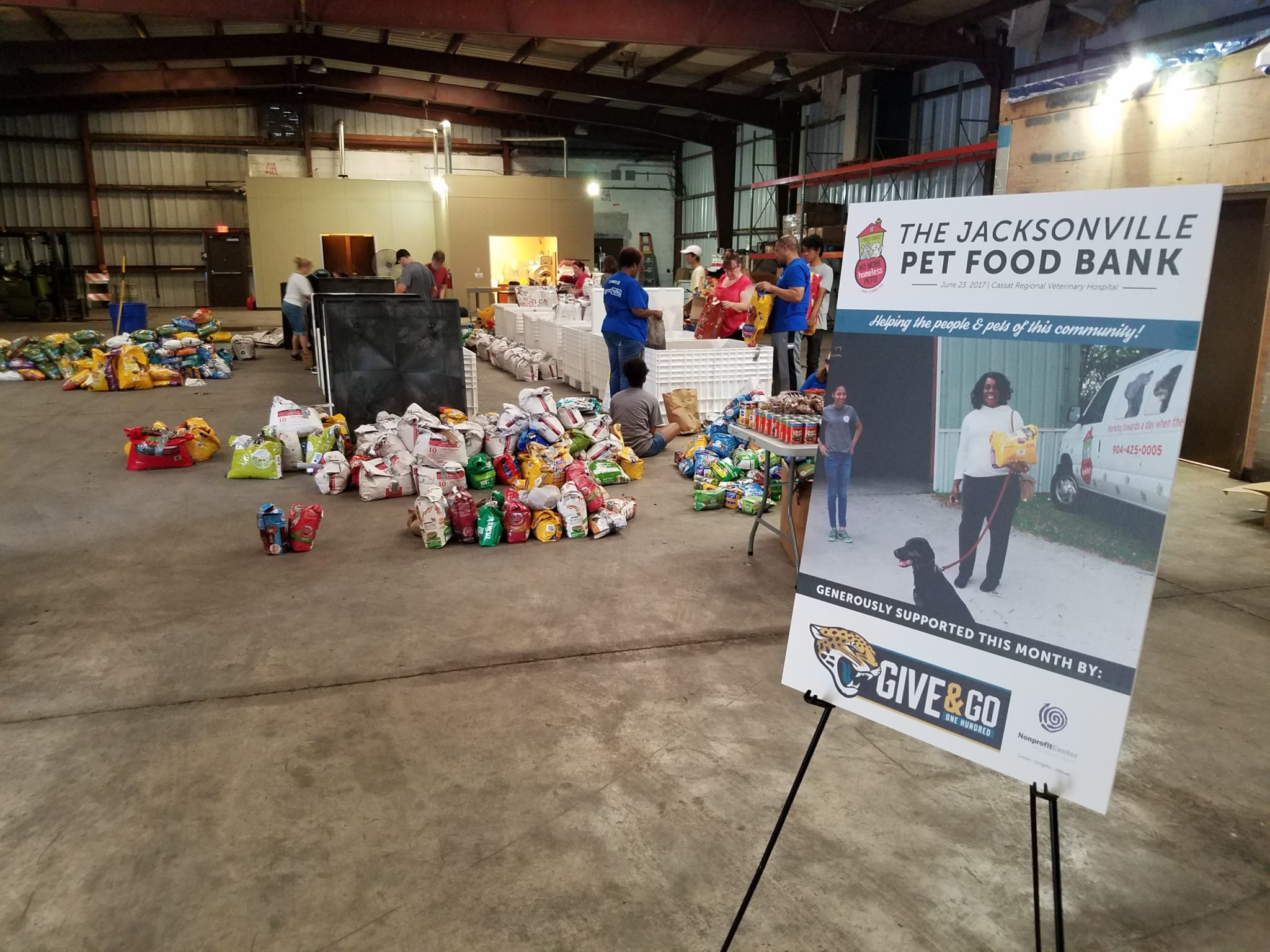 Jacksonville Pet Food Bank Setup