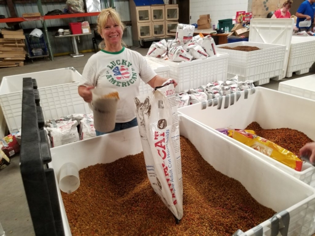 Volunteer Jacksonville Pet Food Bank